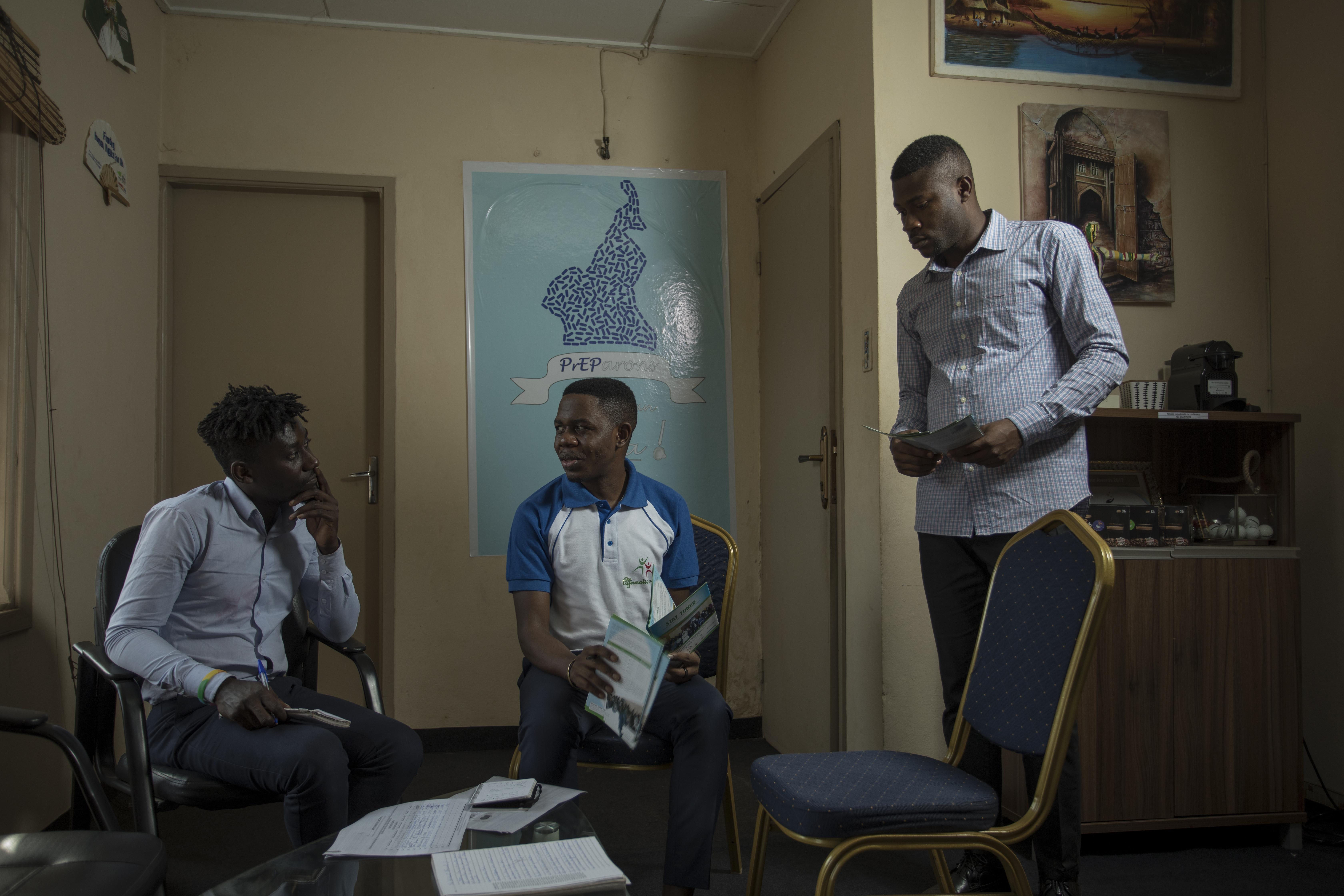 Il a animé une session de formation et de renforcement des capacités à l'intention des représentants des populations hautement vulnérables sur l'engagement de la communauté et le Mécanisme mondial de la société civile.